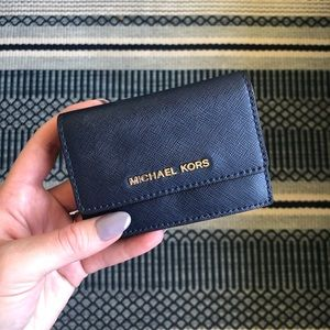 ➡️ Navy Blue Michael Kors Card Holder